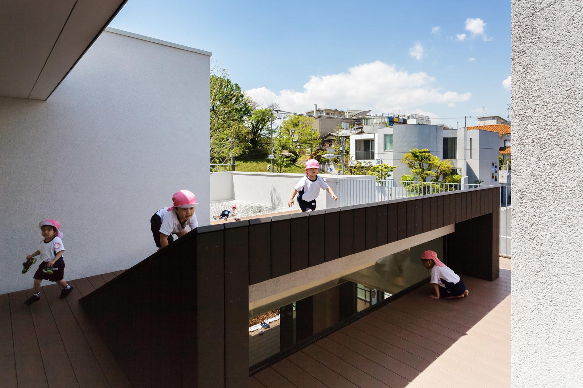 hibinosekkei-yoiuji-no-shiro-osaka-nursery-architecturearchitecture_dezeen_2364_col_23