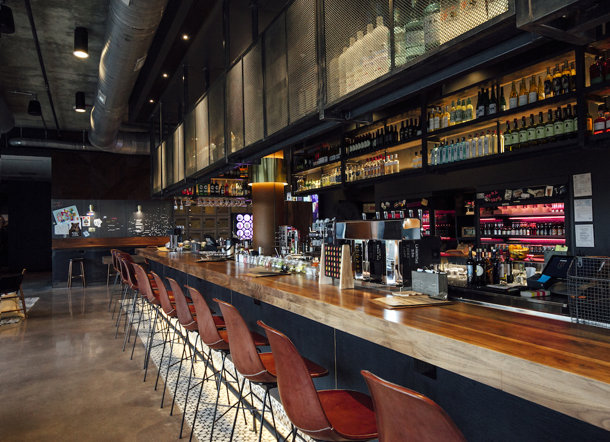 moxyhotel_interior-bar-web-2