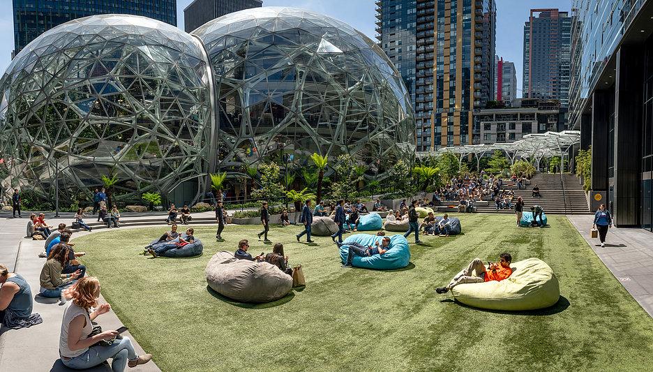 Amazon Spheres – Exterior