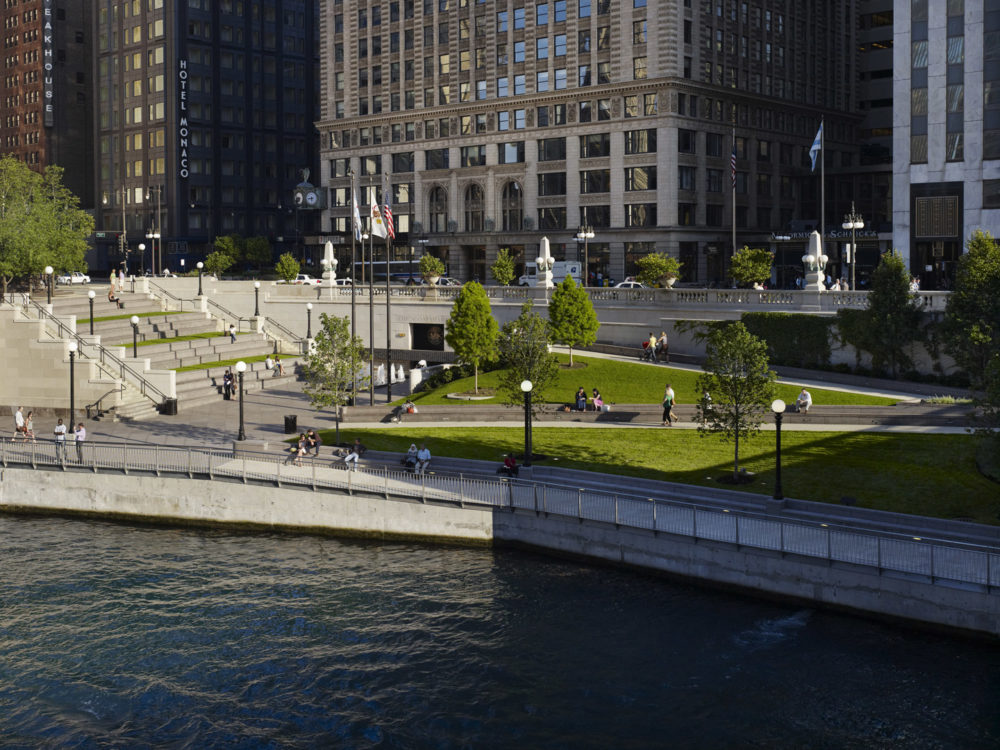 Chicago_Riverwalk_04