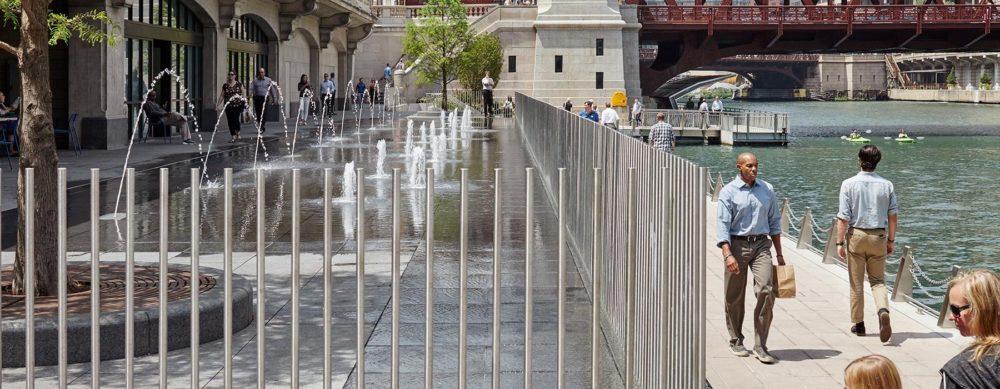 ChicagoRiverwalk_WaterPlaza_06-1800×700