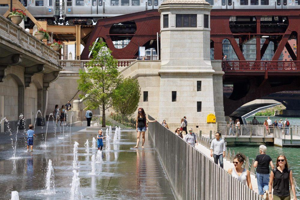 ChicagoRiverwalk_WaterPlaza_08