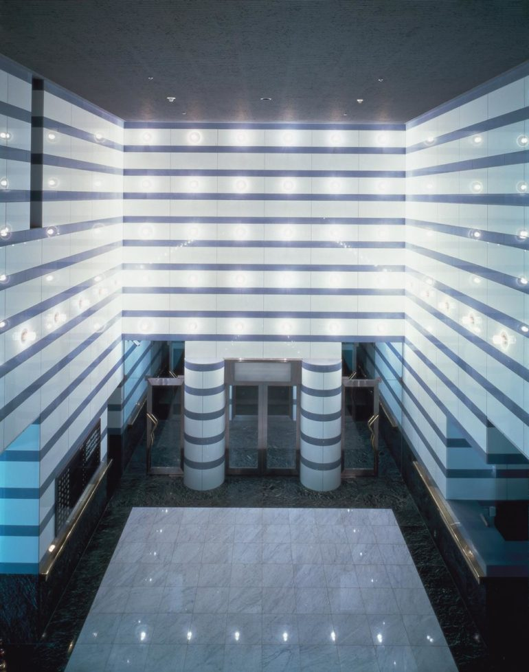 08, Hotel lobby, Tsukuba Center Building (1983), Yasuhiro ISHIMOTO-2