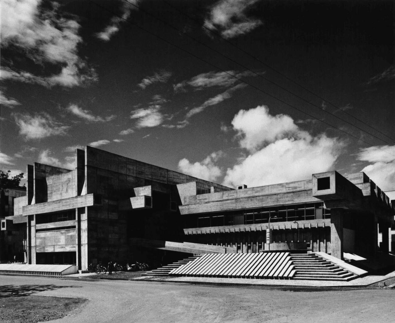 Oita Prefectural Library_Yasuhiro ISHIMOTO03_1