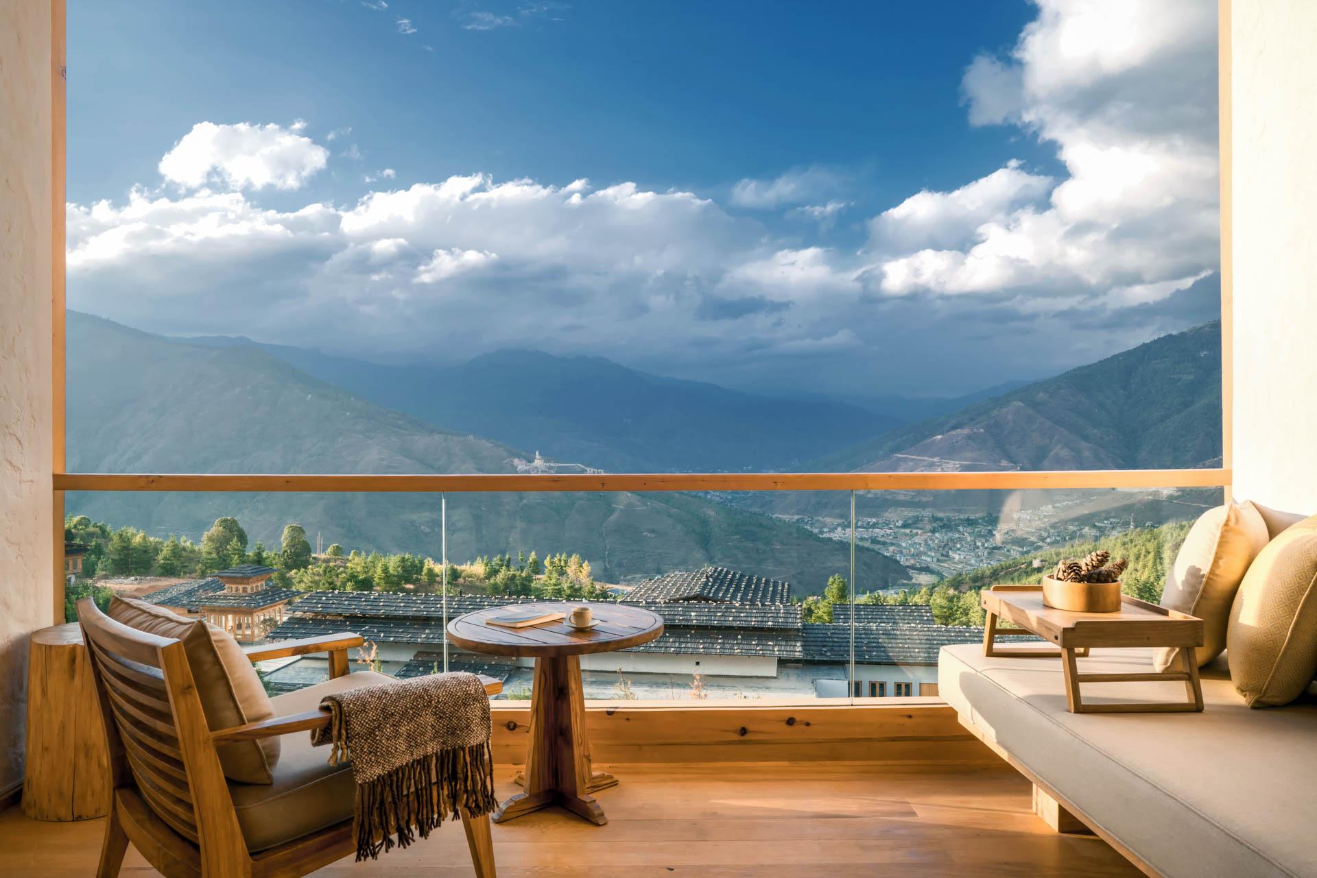 bhutan-lodge-suite-balcony-at-thimphu