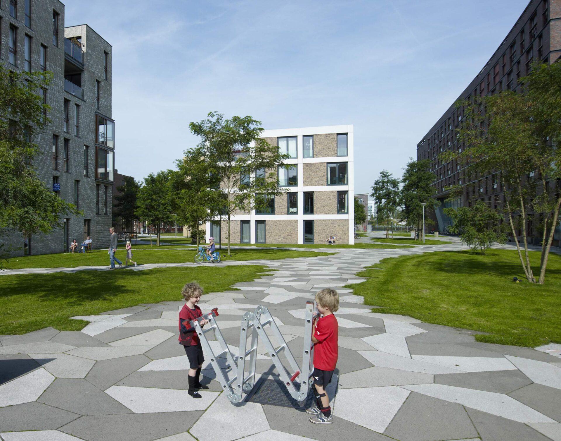 LANDLAB FUNEN kids plays_photo by Jeroen Musch