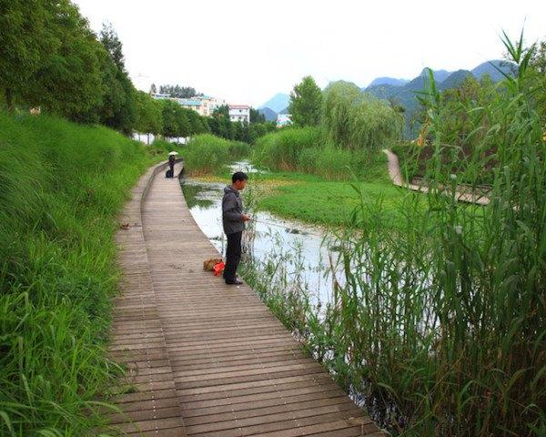 Liupanshui-Minghu-Wetland-Park-by-Turenscape-3-600×480