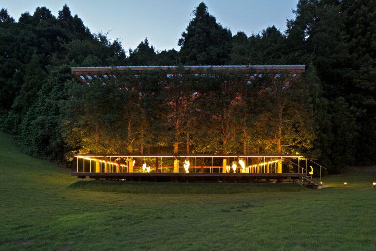 white-arbor-and-open-air-theater-apl-design-workshop-architecture-japan_dezeen_2364_col_8