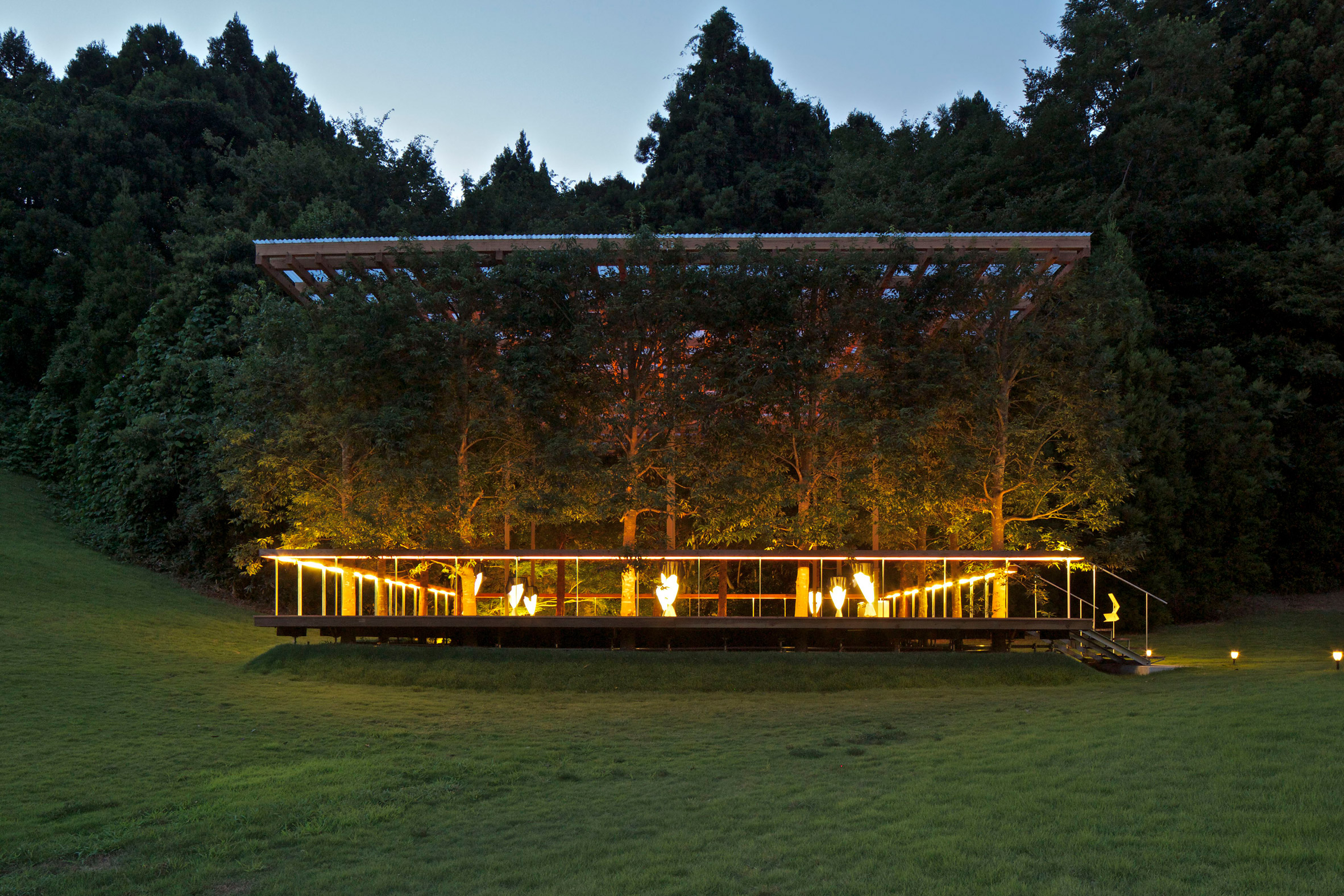 white-arbor-and-open-air-theater-apl-design-workshop-architecture-japan_dezeen_2364_col_8