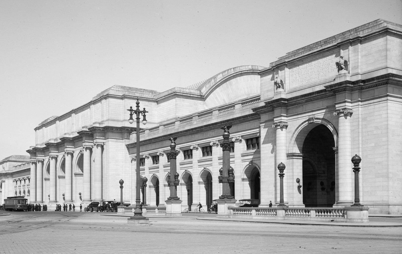 facade-Union-Station-Washington-DC-Daniel-H