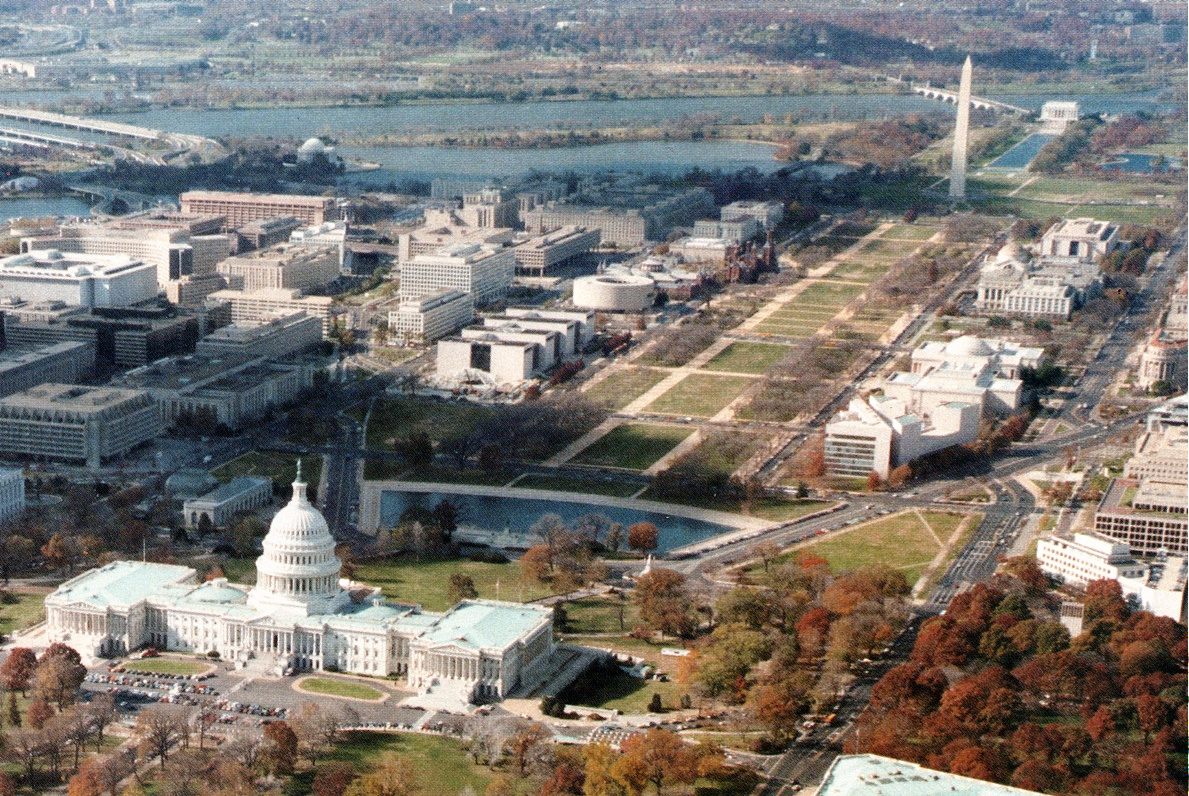 Capitol_and_Lincoln_Memorial